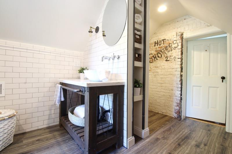 14 Pictures of a Stunning Bathroom Makeover-13