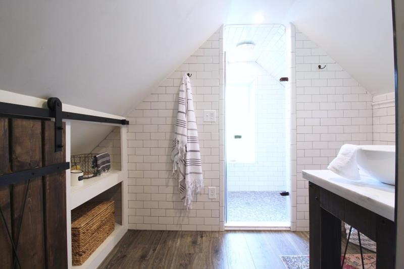 14 Pictures of a Stunning Bathroom Makeover-7