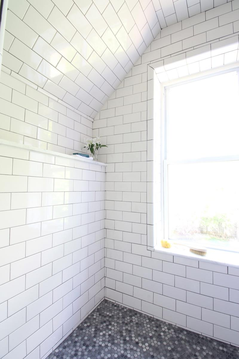 14 Pictures of a Stunning Bathroom Makeover-9