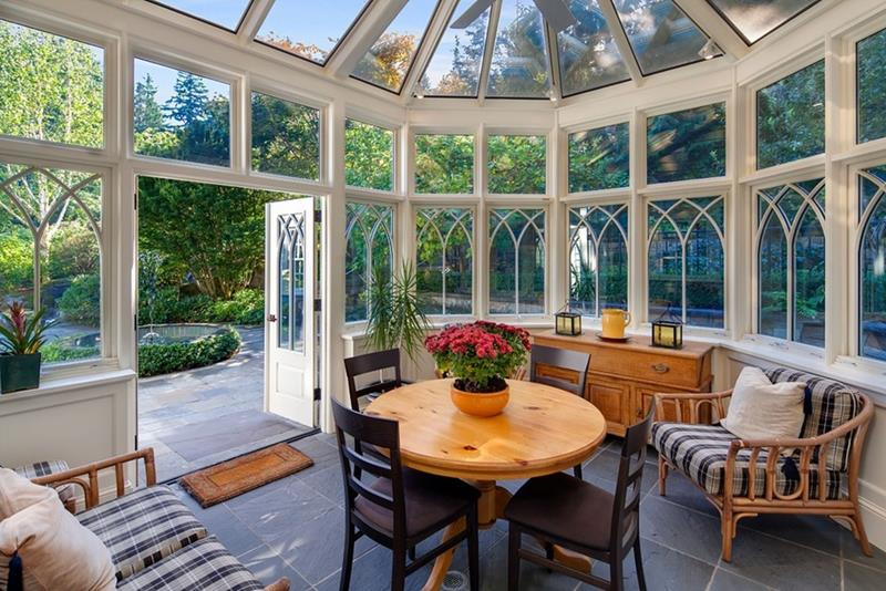 20 Amazing Sunroom Designs