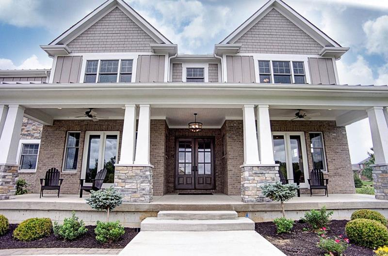 20 Homes with Loads of Curb Appeal-11