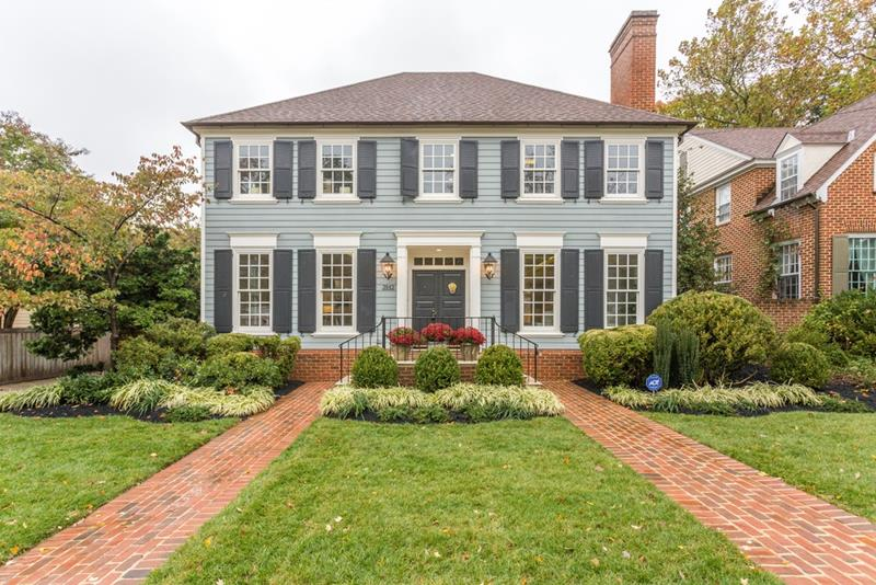 20 Homes with Loads of Curb Appeal-12