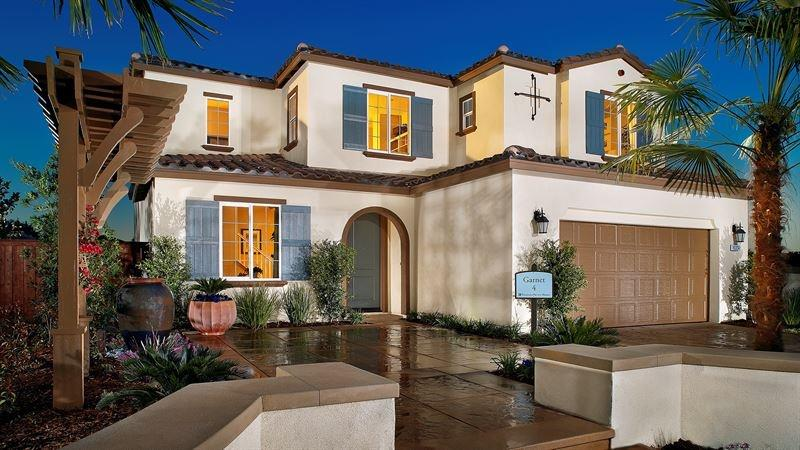 20 Homes with Loads of Curb Appeal-18