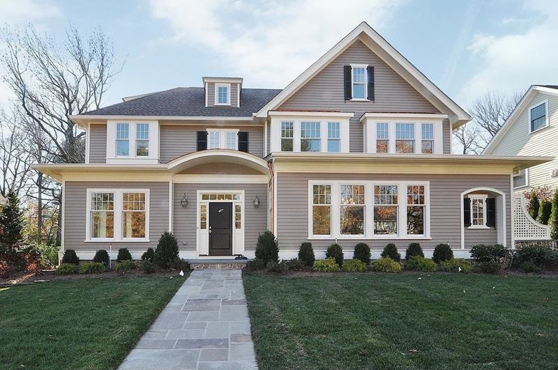 20 Homes with Loads of Curb Appeal-8