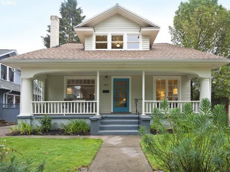 20 Homes with Loads of Curb Appeal-9