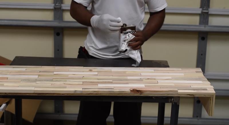 How to Make DIY Wood Pallet Backsplash-12