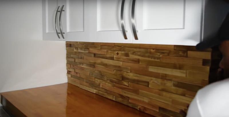How to Make DIY Wood Pallet Backsplash-13