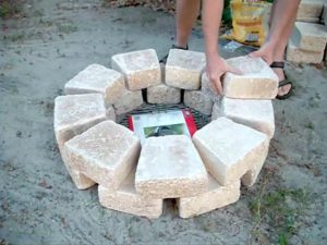 Improve Your Backyard By Installing this Easy-to-Build DIY Fire Pit