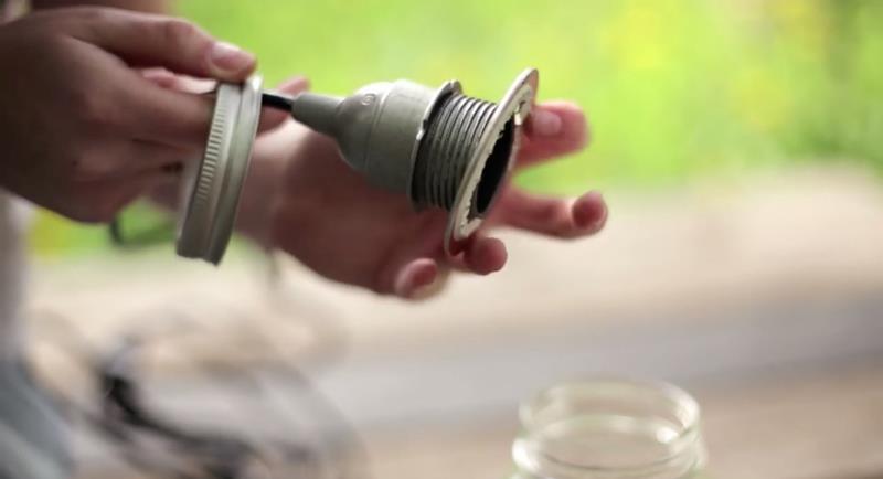 Making Beautiful Mason Jar Lanterns in 12 Easy Steps-8