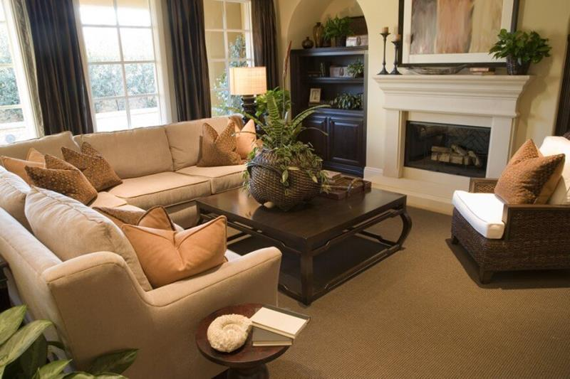 15-cozy-living-rooms-with-fireplaces-9