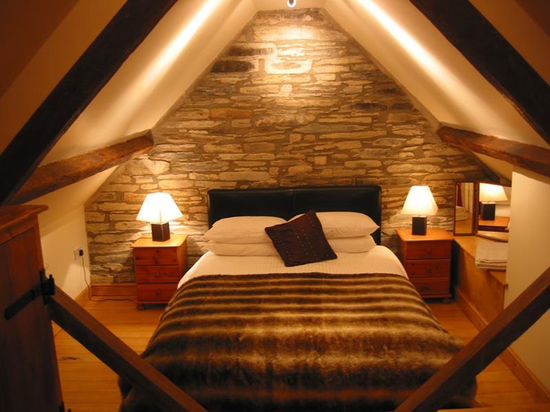 15-inspiring-attic-master-bedroom-designs-10