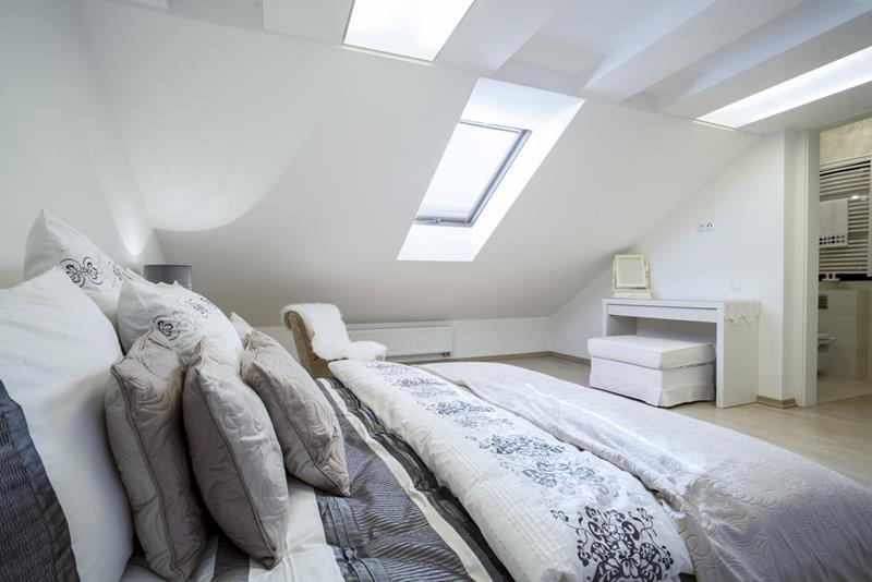 15-inspiring-attic-master-bedroom-designs-14