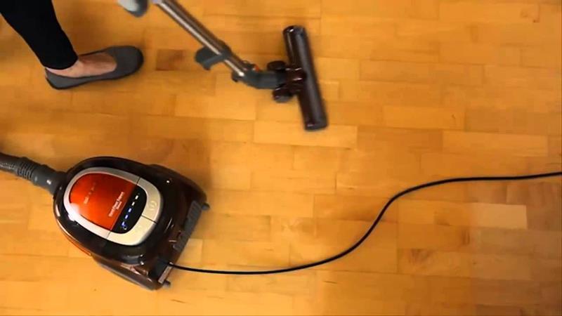the-best-vacuum-for-hardwood-floors-4b