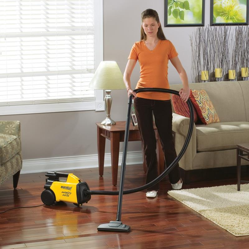 the-best-vacuum-for-hardwood-floors-7e