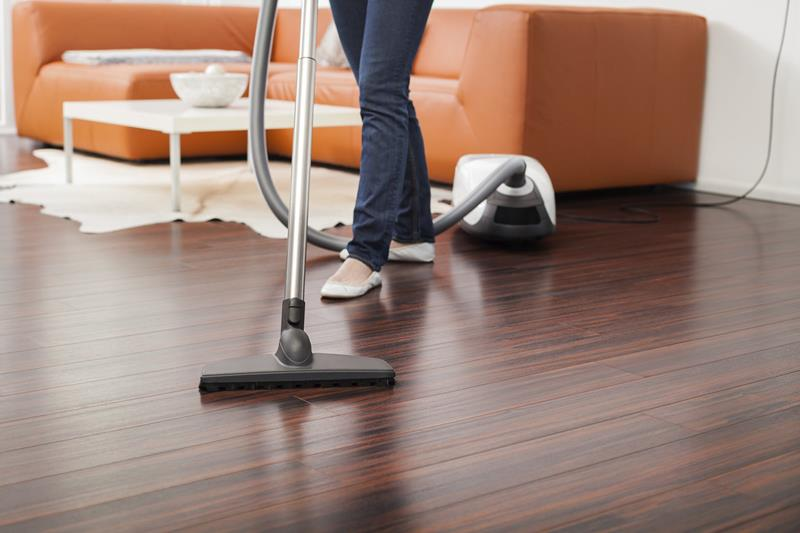 the-best-vacuum-for-hardwood-floors-title