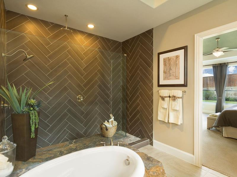 15 Stunning Master Bathrooms With Walk In Showers Page 2