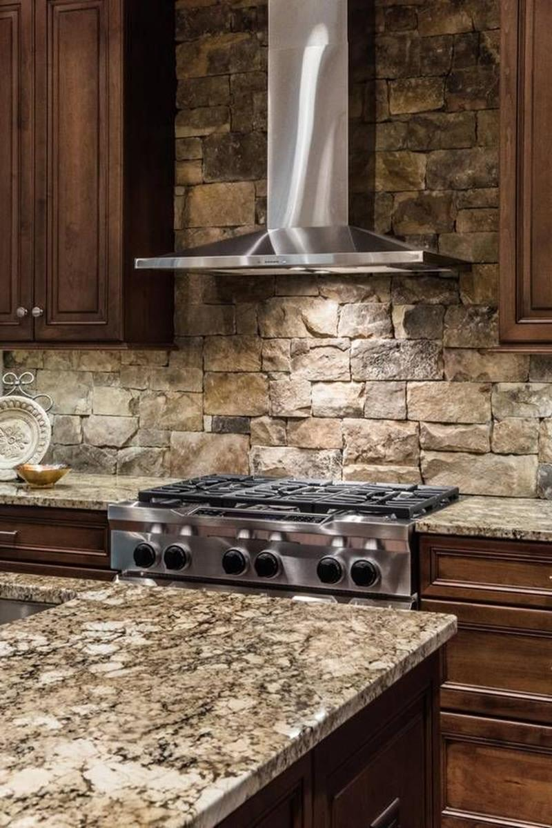 20 Incredible Ideas for Kitchen Backsplashes